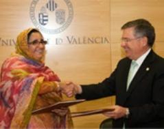 ministra-de-cultura-del-sahara-y-rector-de-la-universidad-de-valencia