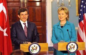 ministro-turco-de-exteriores-y-hillary-clinton