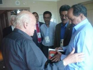 Eduardo Galeano y Mohamed Abdelaziz, presidente de la RASD