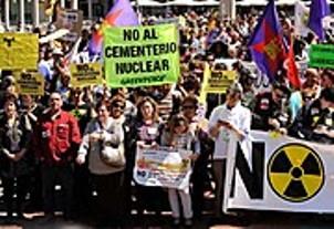 manifestacion-en-valladolid-contra-cementerio-nuclear