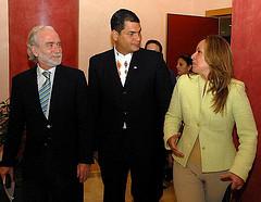 trinidad-jimenenz-y-el-presidente-correa-de-ecuador