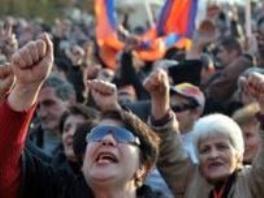 miles-de-armenios-se-manifiestan