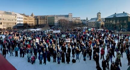 los-ciudadanos-protestan-en-islandia