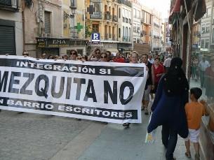Manifestación contra la mezquita de Guadalajara (Foto: Crónica de Guadalajara)
