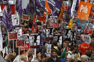 Miles de manifestantes en Manchester. Foto Globalmedia