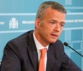 Antonio  Camacho, ministro de Interior