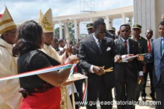 Obiang inaugura la Basílica de Mongomo