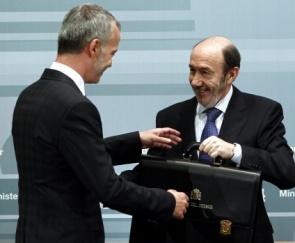 Rubalcaba y Camacho, ex ministros de Interior del PSOE