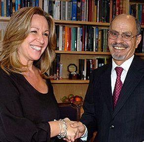 Rinidad Jiménez, ex ministra de Exteruiores, y Ahmadou Souilem, embajador de Marruecos en España
