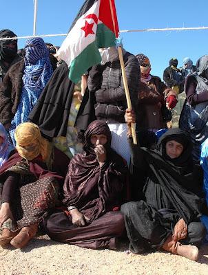 Mujeres en uno de los aniversarios de la fundación de la RASD en los campamentos.