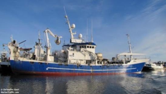 barco-islandes-pesacnado-en-el-sahara1