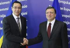 El primer ministro rumano, Víctor Ponta, y el presidente de la Comisión Europea, Durao Barroso. Foto: J. W