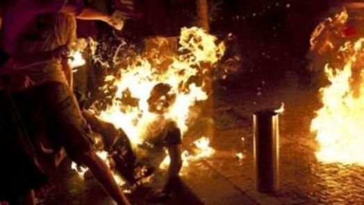 moshe-silman-se-quema-durante-una-manifestacion