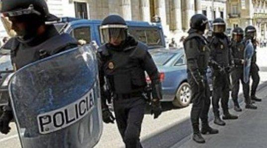 policia-ante-el-congreso-de-los-diputados1