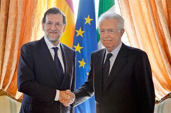 Mariano Rajoy, junto al presidente del Consejo de Ministros de Italia, Mario Monti. Foto La Moncloa