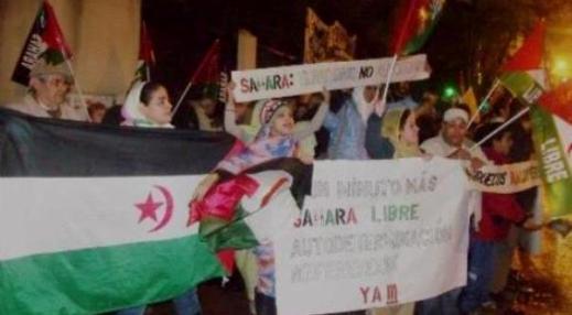 manifestantes-ante-la-sede-diplomatica-de-marruecos-en-madrid1
