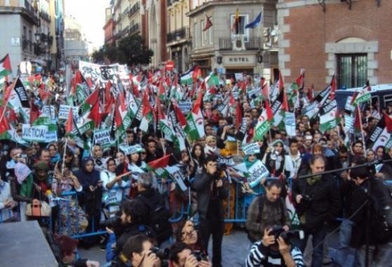 Miles de manifestantes en Madrid contra la ocupación del Sahara por Marruecos