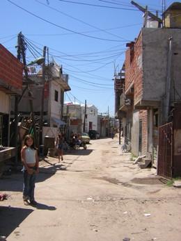 Argentina las redes sociales logran movilizar a las masas for Villas miserias en argentina