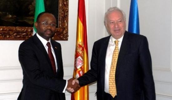 Agapito Mba Mokuy  y José Manuel García-Margallo