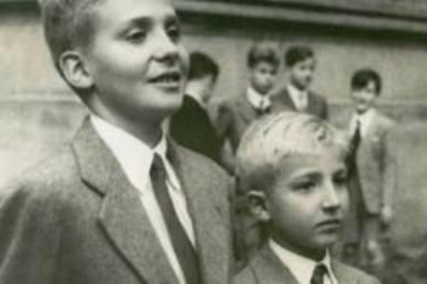 Juan Carlos y su hermano Alfonso