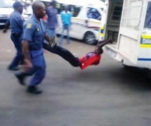 Mido Macia muerto en Sudafrica