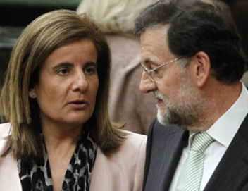 Fátima Bañez, ministra de Trabajo, y Mariano Rajoy