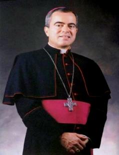 Monseñor Roberto O. González Nieves