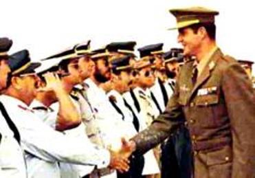 El Principe Juan Carlos en el Sahara