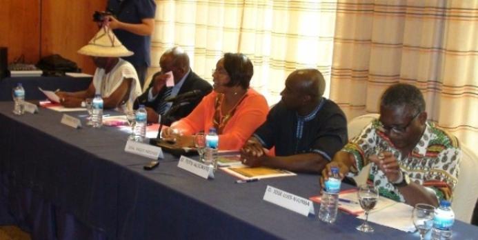 Justo Bolekia, Severo Moto, Paqui Mbomio, Tutu Alicante y José Luís  Nvumba