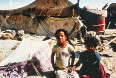 Refugiados saharauis huidos de la invasión marroquí y mauritana en 1976. UN Photo/Hubert