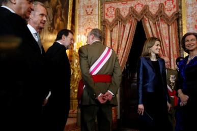 Rajoy y el Rey nos dan la espalda