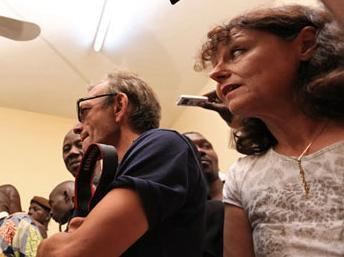Claude Verlon y Ghislaine DuPont, en Malí, en julio 2013 (Foto RFI).