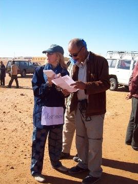 Teresa Smith de Cherif durante una de sus misiones médicas en Tinduf.