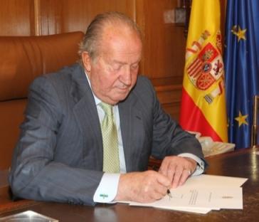 JUan Carlos I abdica