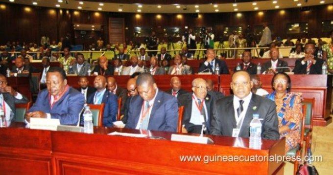 Mesa de Diálogo en Guinea Ecuatorial:Todos para Uno, Uno para Todos
