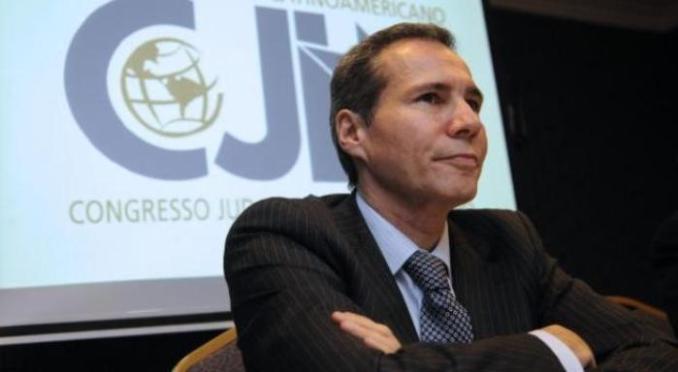 El fiscal Alberto Nisman en la causa AMIA, expone su opinión sobre la infiltración del terrorismo iraní en Sudamérica, en el marco del Congreso Judío Latinoamericano, que tuvo lugar en el Hotel Intercontinental en 2013. FOTO NA: MARCELO CAPECE.