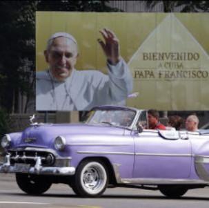 Cartel anunciador de la visita del Papa Francisco