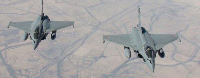Aviones Rafale del Ejército del Aire de Francia atacan posiciones sirias