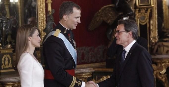 Los Reyes de España y Artur Mas, eran otros tiempos. Foto EFE.