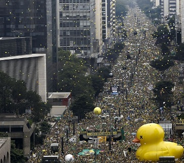 Avenida Paulista (São Paulo). Foto Miguel Schincariol
