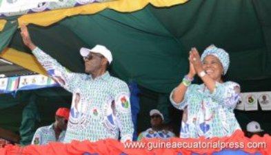 Teodoro Obiang y su mujer en un mitin electoral.