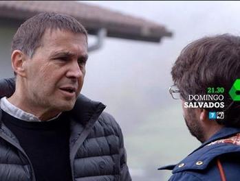 Arnaldo Otegui y Jordi Évole
