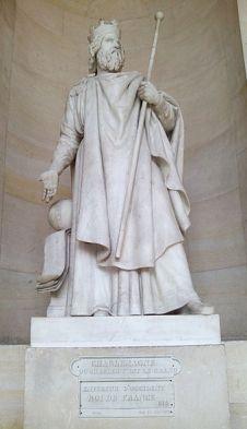 Estatua de Carlomagno en el Palacio de Versalles.