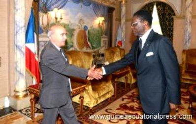 Embajador de Cuba y Presidente de la República de Guinea Ecuatorial. Foto Gobierno de GE.