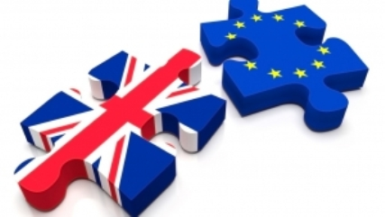 Gran Bretaña rompe con la UE. Composición de helpmycash.com.