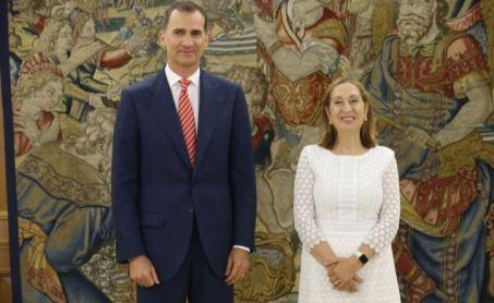 El Rey y Ana Pastor, Presidenta del Congreso de los Diputados.