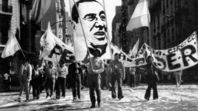 Perón regresa a Argentina.