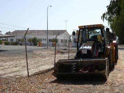 La maquinaria ya se encuentra lista para trabajar en la zona donde la empresa tiene previsto abrir nuevos pozos de gas, en término municipal de Almonte
