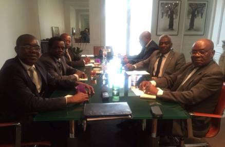Los líderes del PP, MAIB y CORED reunidos en París.