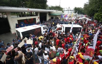 Manifestación en Manila (Filipinas) contra la presencia de tropas estadounidenses en el país.